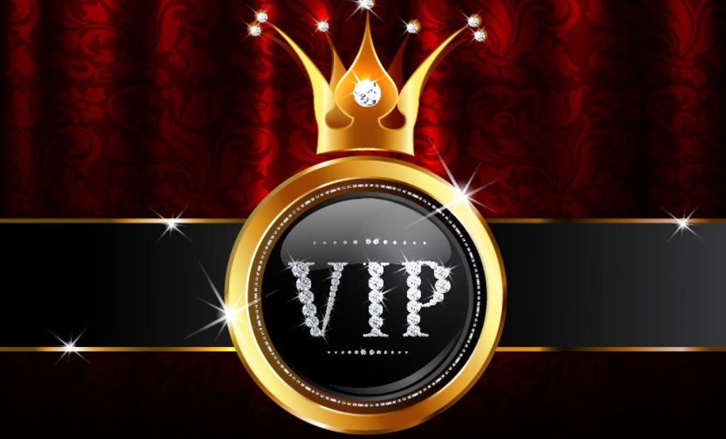 Une couronne avec des diamants avec l'inscription VIP